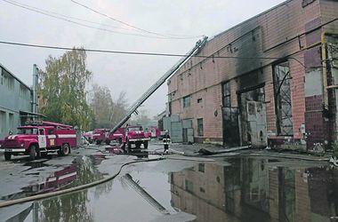 Масштабный пожар в Харькове: бролись с огнем 11 часов