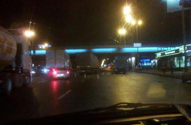 В Киеве на Бажана не разминулись фура и грузовик