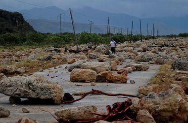 "Ураган ""Мэттью"" раскурочил дороги на Кубе"