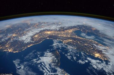 Завораживающие снимки: в NASA показали Землю из космоса