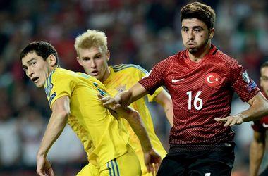 Сборная Украины сыграла вничью с Турцией, выигрывая в два гола
