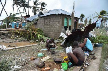 """Жертвами урагана """"Мэттью"""" на Гаити стали больше 840 человек"""