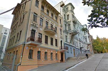 Богачи и губернаторы: прогулка по Куликовскому спуску в Харькове