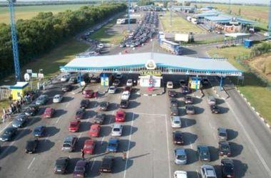 В очередях на границе с Польшей застряли 900 автомобилей
