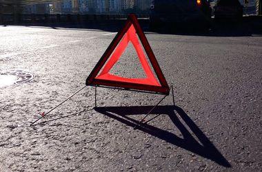 В Ровенской области водитель сбил маму с ребенком