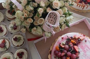 Дарья Домрачева показала праздничный стол в честь рождения дочери