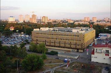 Средь бела дня: в Киеве неизвестные ограбили ювелирный