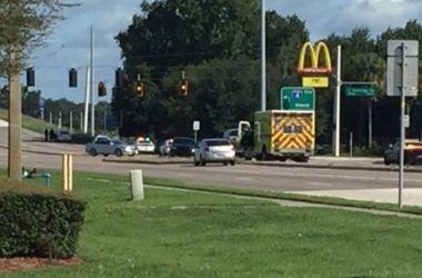 В США неизвестные захватили заложников в McDonald