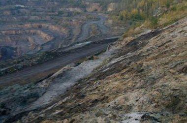 Женщину завалило землей во время добычи янтаря в Ровенской области