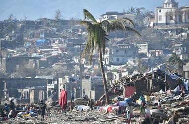 """Ураган """"Мэттью"""" вызвал новую смертельную напасть на Гаити"""