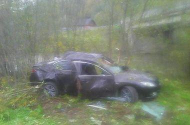 Во Львовской области иномарка вылетела с моста: пострадали пять человек