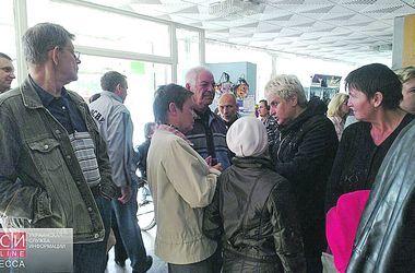 Переселенцам в Одессе вернули свет и воду