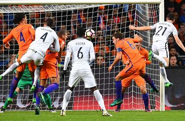 Обзор матча Голландия - Франция - 0:1