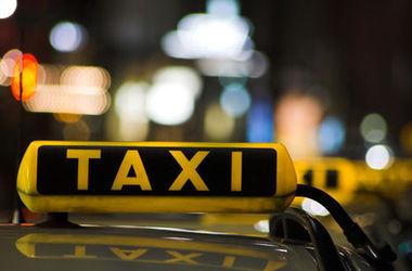 Лицензии для таксистов в Украине могут подешеветь в 10 раз