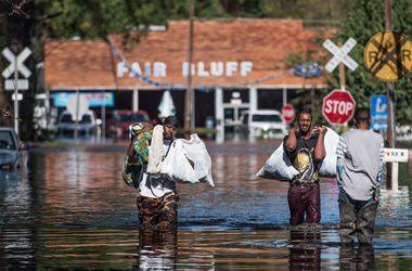 """Число жертв урагана """"Мэтью"""" в США достигло 33 человек"""
