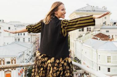 Беременная Ксения Собчак ушла из дома и живет в гостинице