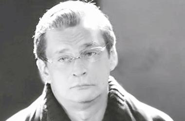 53-летнего Александра Домогарова обокрали: из дома вынесли все драгоценности - Скандалы - Кража совершена в частном доме артиста в садоводческом товариществе