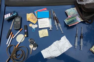 В Умани женщина продавала особо опасные наркотики на территории школы