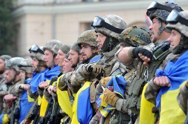 """""""Украинская армия одна из сильнейших"""": Турчинов поздравил с Днем защитника"""