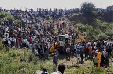 Страшное ДТП в Индии: автобус свалился в ущелье, погибли 17 человек