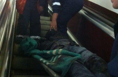 """Подробности инцидента с падением человека под поезд в метро """"Майдан Независимости"""""""