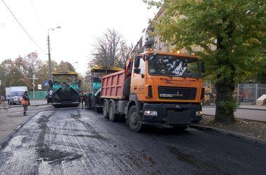 В Киеве ограничат движение на двух участках дорог