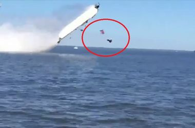 В США катер перевернулся в воздухе и убил двух человек (видео)