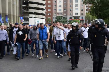 Польские фанаты устроили масштабные беспорядки в Мадриде накануне матча Лиги чемпионов