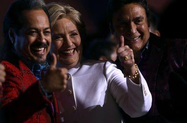 Клинтон обошла Трампа в финальных дебатах с разрывом в 13%