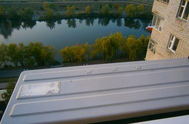 В Киеве грабители влезли в квартиру через балкон на глазах жильца