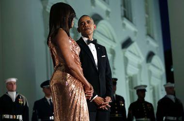 Мишель Обама в платье Atelier Versace поразила гостей на прощальной вечеринке мужа