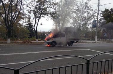 В Мариуполе машина на ходу превратилась в факел