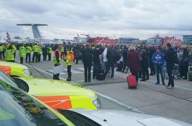 Из аэропорта Лондон-Сити эвакуированы около 500 человек