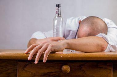 В Николаеве увеличилось число жертв алкогольного суррогата
