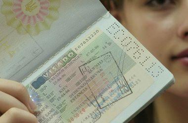 Европарламент может отменить визы для украинцев через месяц - эксперт