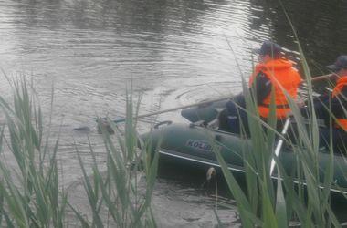 Под Киевом в водоеме нашли утопленника