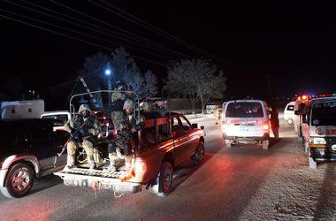 Число жертв нападения на полицейскую академию в Пакистане возросло до 33