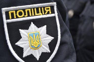 На полицию напали селяне. Фото: expres.ua