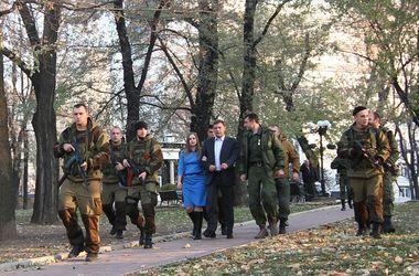 Роскошь и нищета в Донецке: боевики ездят отдыхать на острова и обедают в ресторанах, а остальным уготована роль прислуги