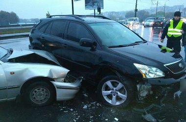 В Хмельницком произошло сразу три ДТП: есть пострадавшие