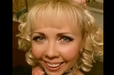 Актриса из Днепра, поддержавшая избиение бойца молотком, готовится к карьере в России - СМИ