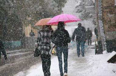 Первый снег в городах Украины: как это выглядит