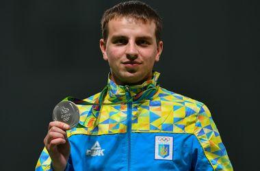 Олимпийские и паралимпийские призеры получили денежные награды, тренер Нагний - квартиру