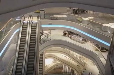 ЦУМ в Киеве готовится к открытию: проверяют работу эскалаторов и лифтов
