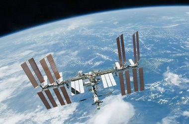 """Космический корабль """"Союз МС"""" с возвращающимся на Землю экипажем отстыковался от МКС"""