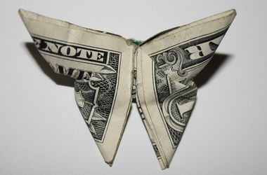 В Украине падает курс доллара