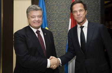 Рютте заверил Порошенко, что Нидерланды не прекращают процесс ратификации Соглашения об ассоциации Украина-ЕС