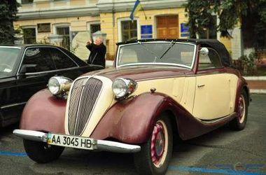 В Киеве прошла выставка ретро-автомобилей