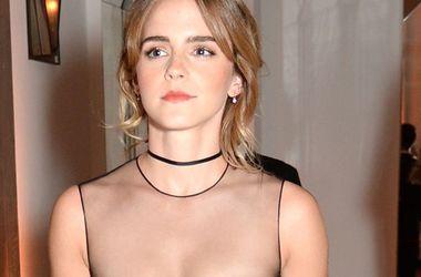 Эмма Уотсон подчеркнула грудь роскошным платьем от Dior (фото)