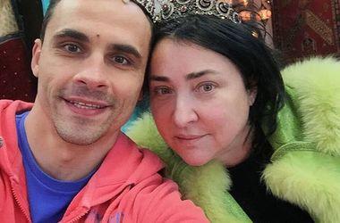 Лолита увезла мужа из России, чтобы спасти от секты